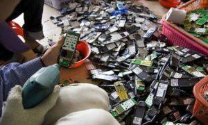 Разборка телефонов для утилизации